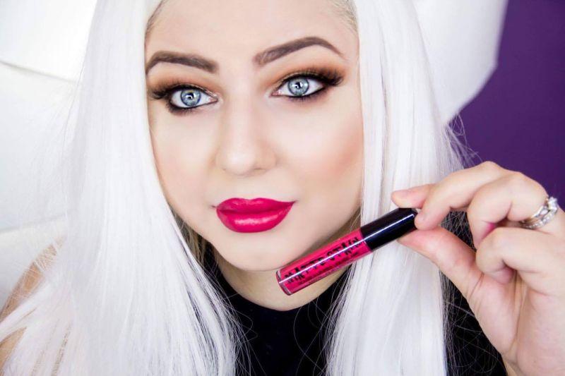 Beauty Blogger Hayky ne invata trucuri despre machiaj