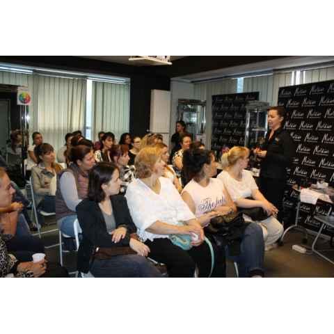 Seminar de manichiura `New Color & Trends`