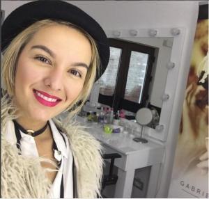 Make-up Artist Gabriela Popescu are o academie la Cluj. Citeste acum povestea ei!