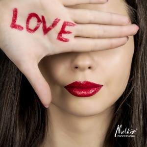Cuvantul cheie al lunii februarie e LOVE. Ce punem pe raftul de frumusete?