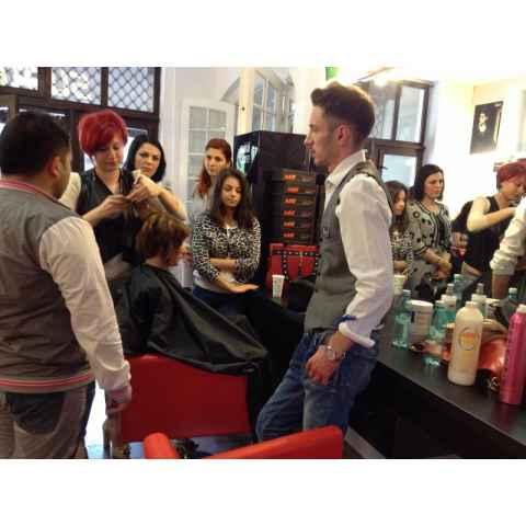Concursul de Creativitate a fost castigat Oana Condrat - Salon Kitty Beauty