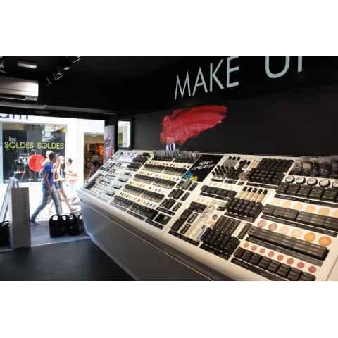 S-a deschis magazinul Melkior la Antibes!